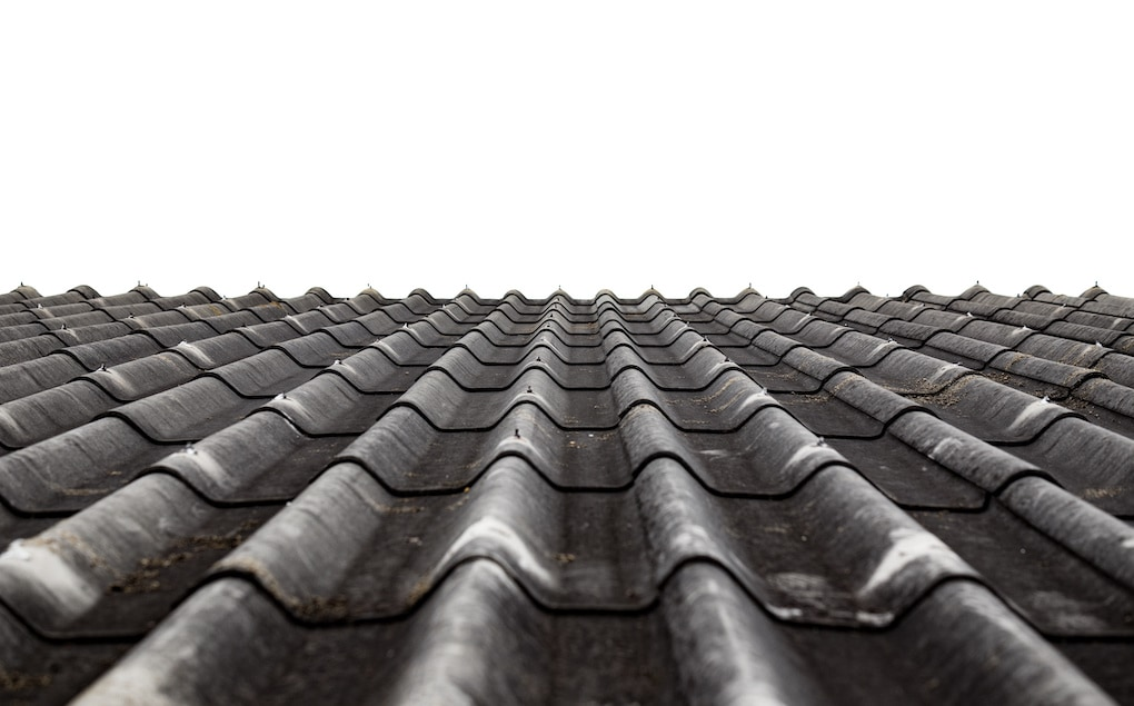 how roof age affects insurance