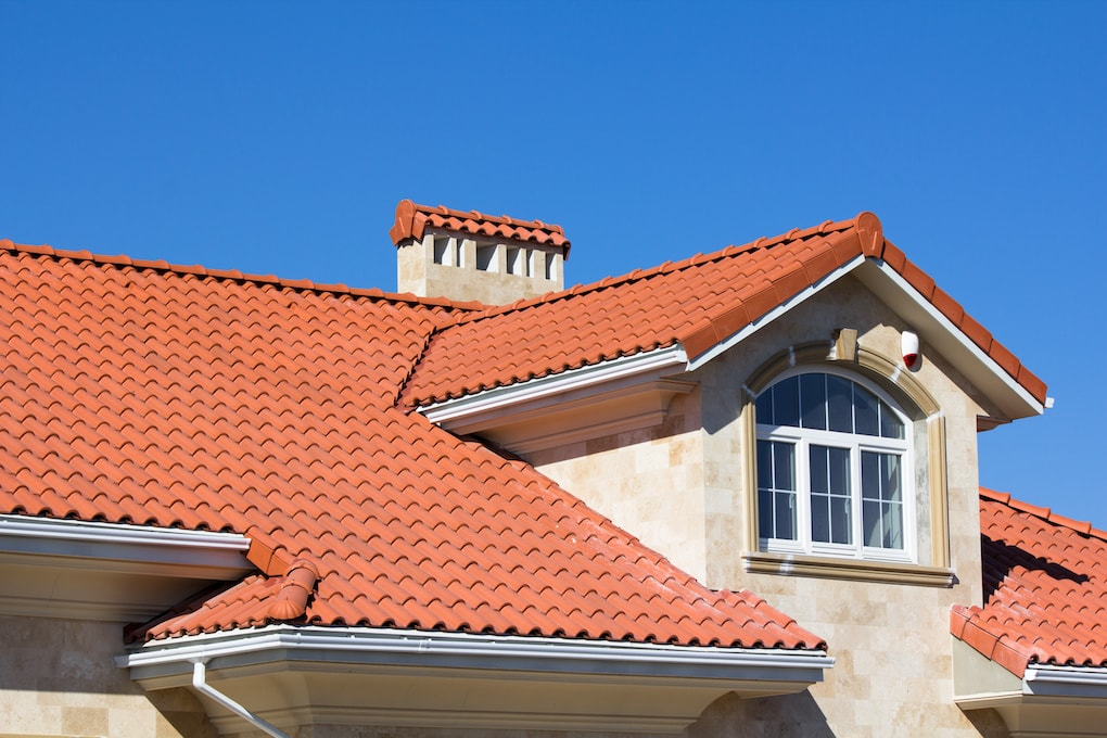 types of roof shingles: clay tile roofing